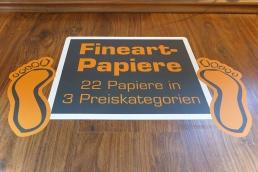 Floorgraphic-Aufkleber mit Antirutsch-Schutzfolie